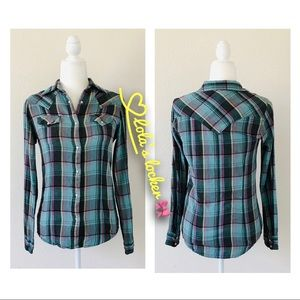 Wrangler Western Style Plaid Button Front Shirt